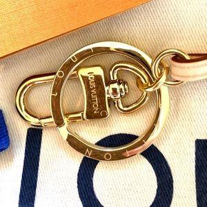 Louis Vuitton Artsy MM Vachetta Keyring & Hook